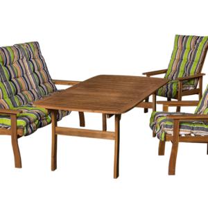 Masszív fa kerti bútor párnákkal.