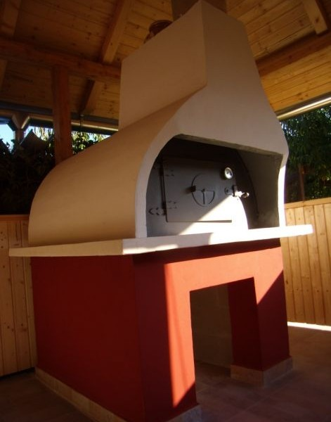 Mobil kemence és beépített kerti kemence is építhető előre gyártott tűzterünkből
