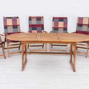 Bővíthető fa kerti asztal karfás székekkel M706
