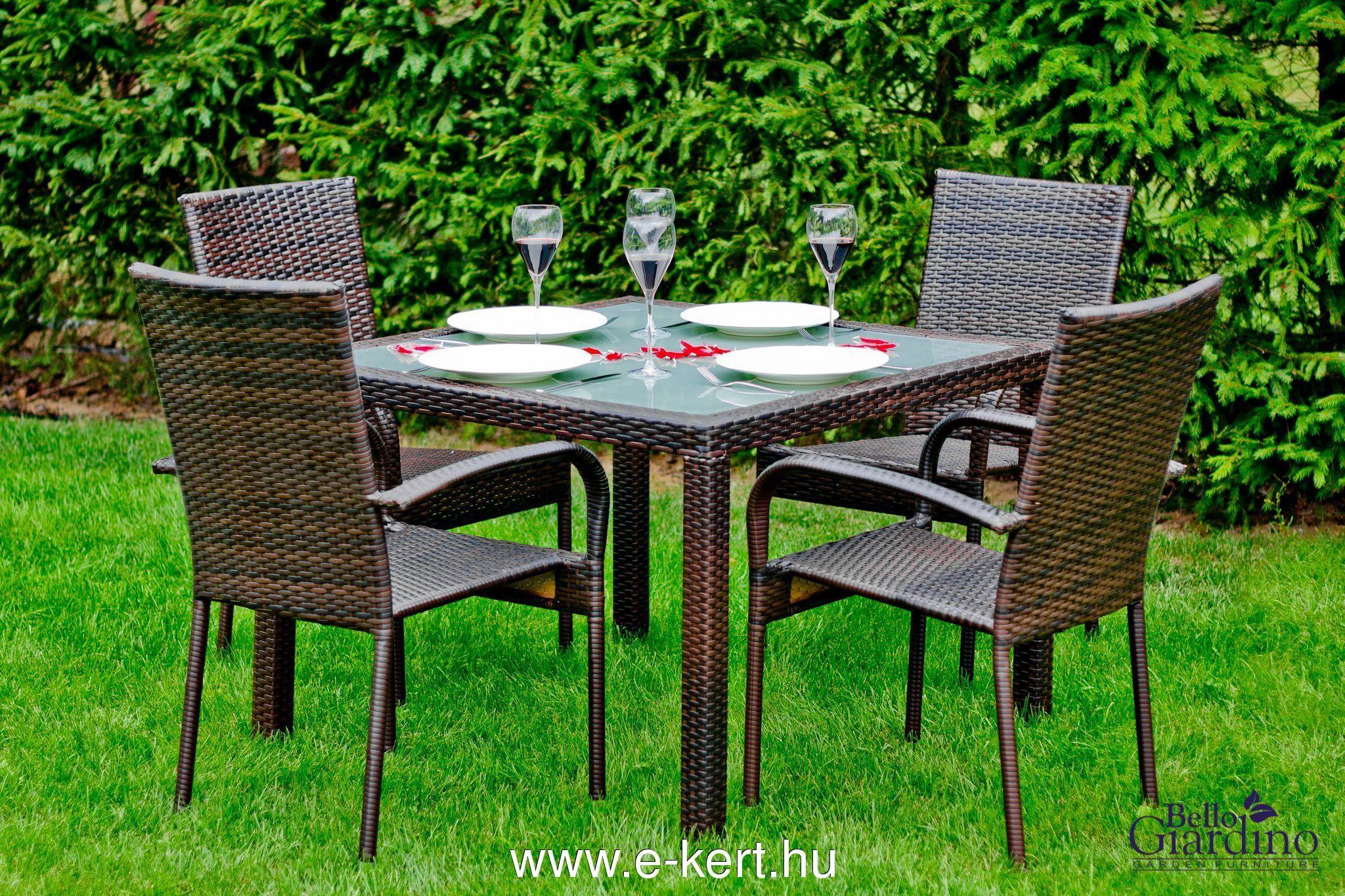 4 személyes rattan kerti bútor