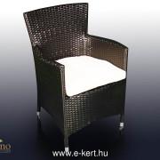 Rattan fotel fekete színben