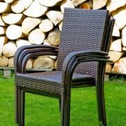 Kis helyen tárolható Sottile rattan kerti bútor székei