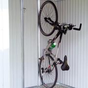 Kerékpártartó fém kerti házba