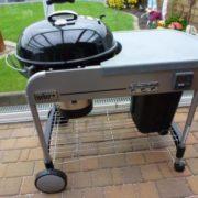 faszenes grill 57 cm; munkaasztallal együtt